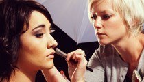 How to Become a Make-Up Artist
